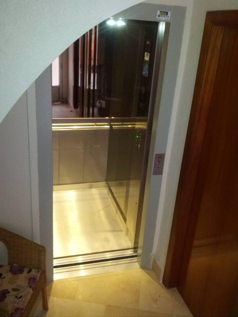 ascensor minusválidos